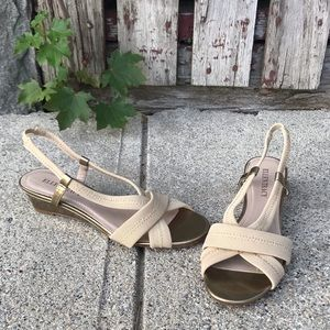 "Ellen Tracy ""Jett"" Slingback Sandals Gold/Natural"